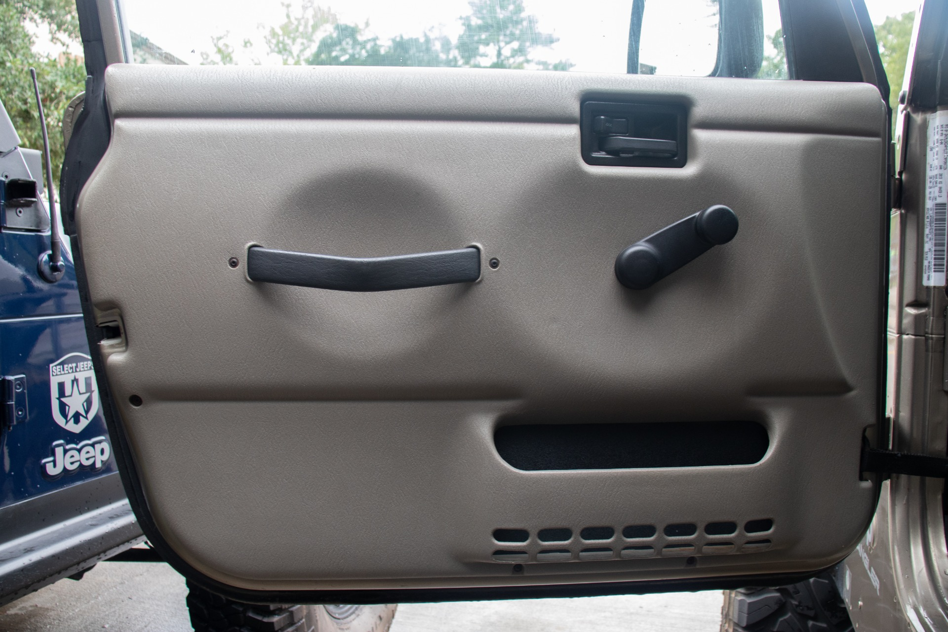 Used-2004-Jeep-Wrangler-2dr-Sport