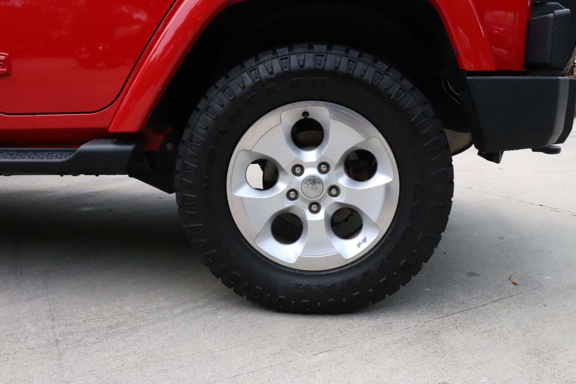 Used-2014-Jeep-Wrangler-Unlimited-Sahara-4WD-4dr-Unlimited-Sahara