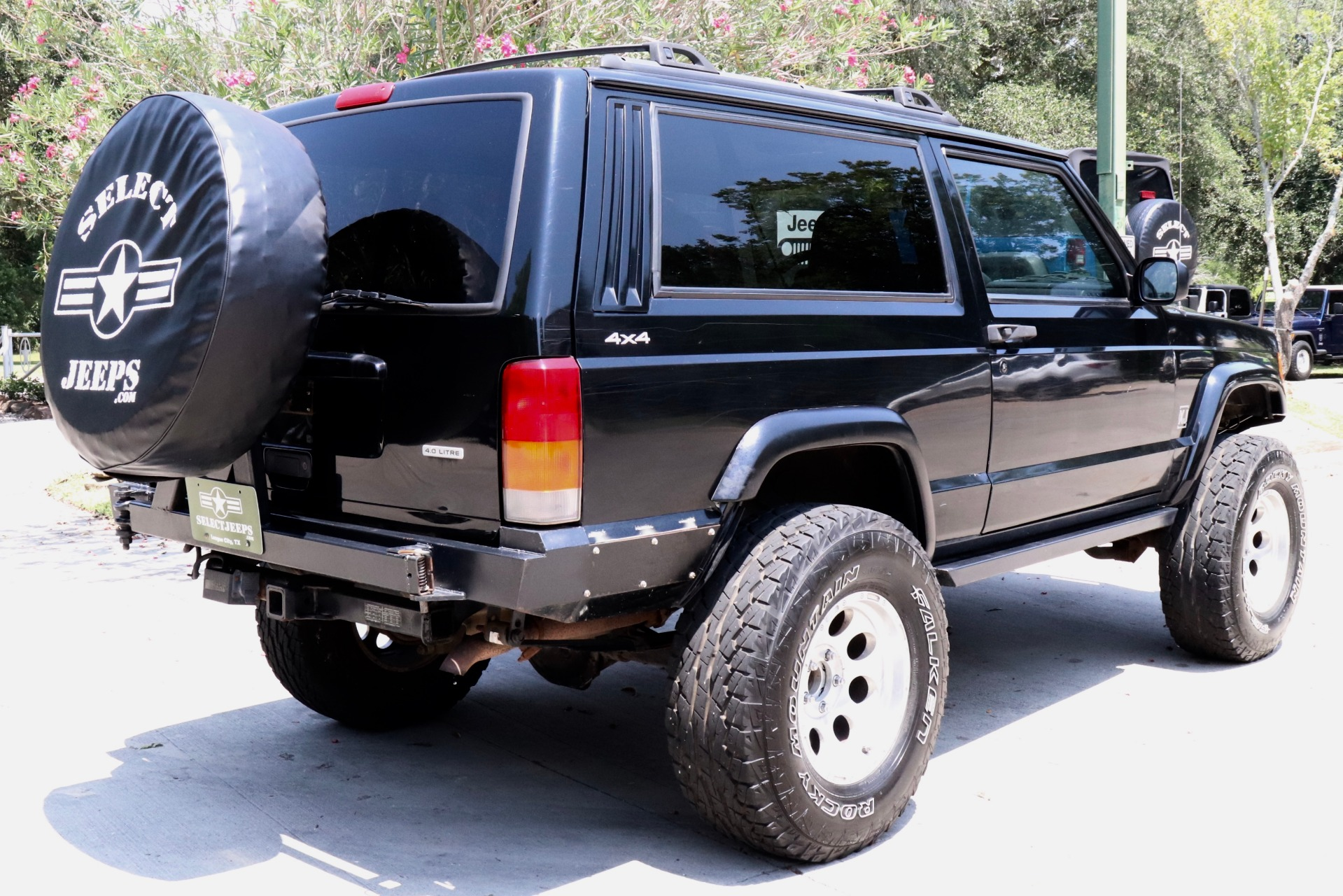 Used-2000-Jeep-Cherokee-2dr-Sport-4WD