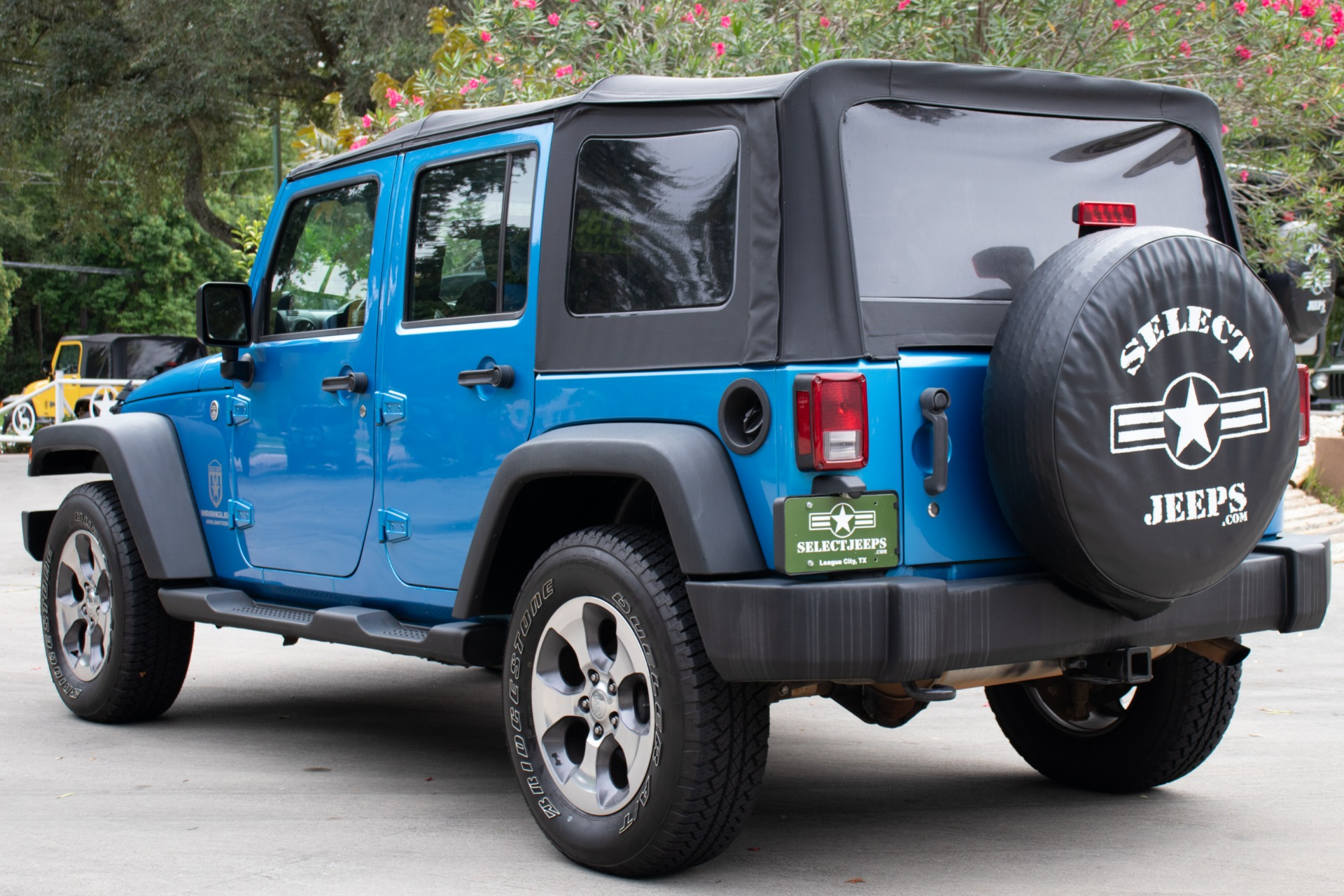 Used-2010-Jeep-Wrangler-Unlimited-4WD-4dr-Sport