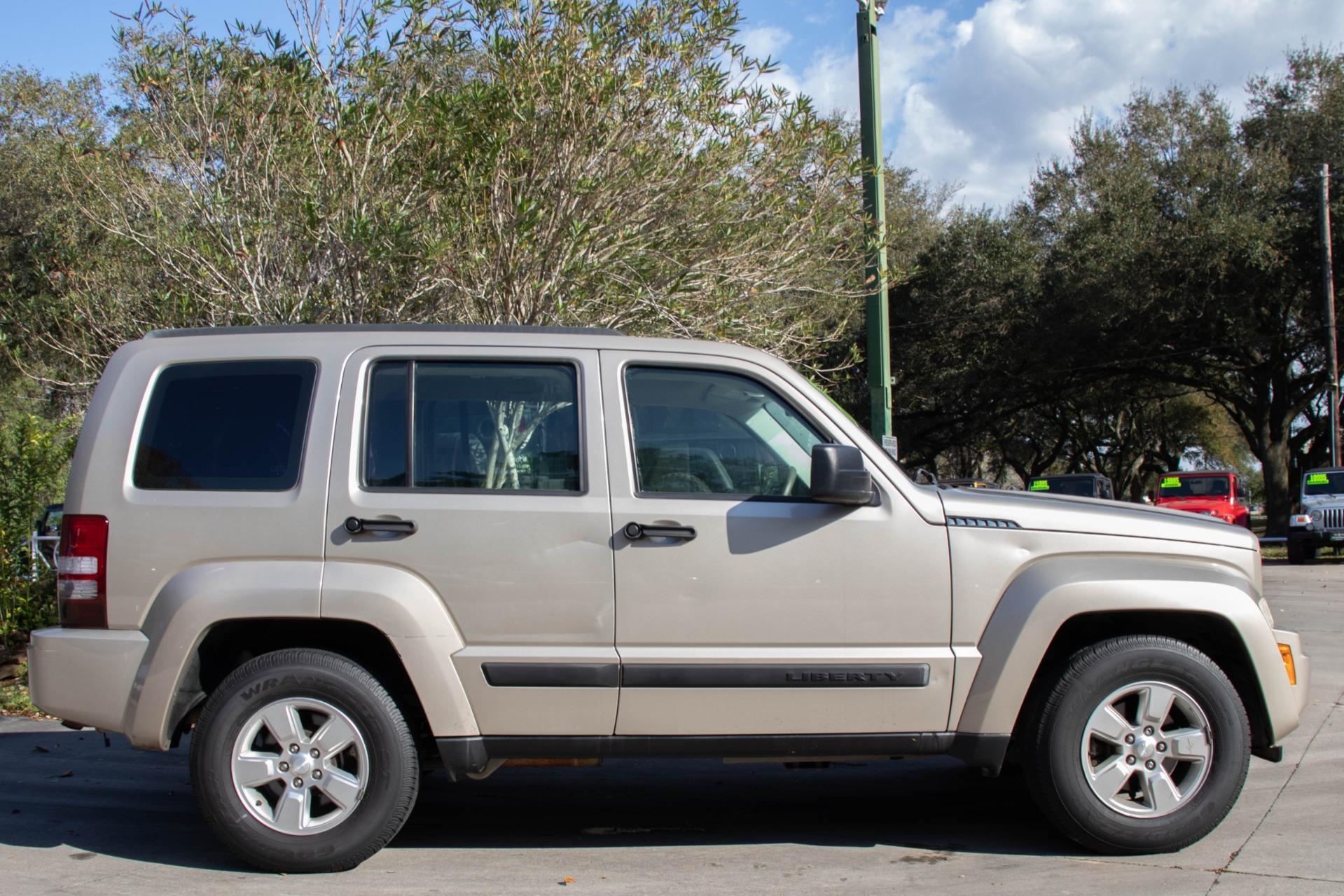 Used-2011-Jeep-Liberty-Sport