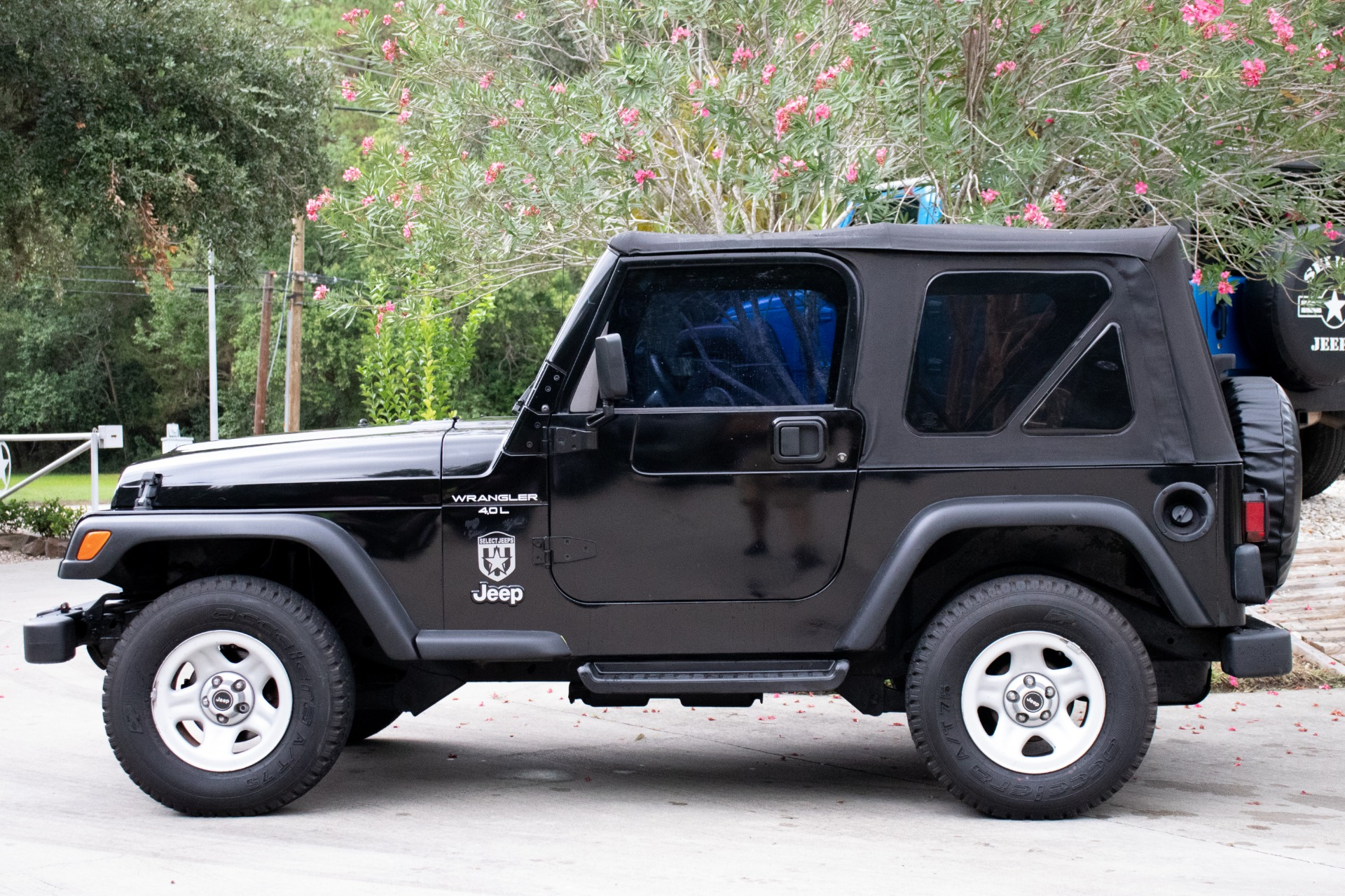 Used-1999-Jeep-Wrangler-2dr-Sport