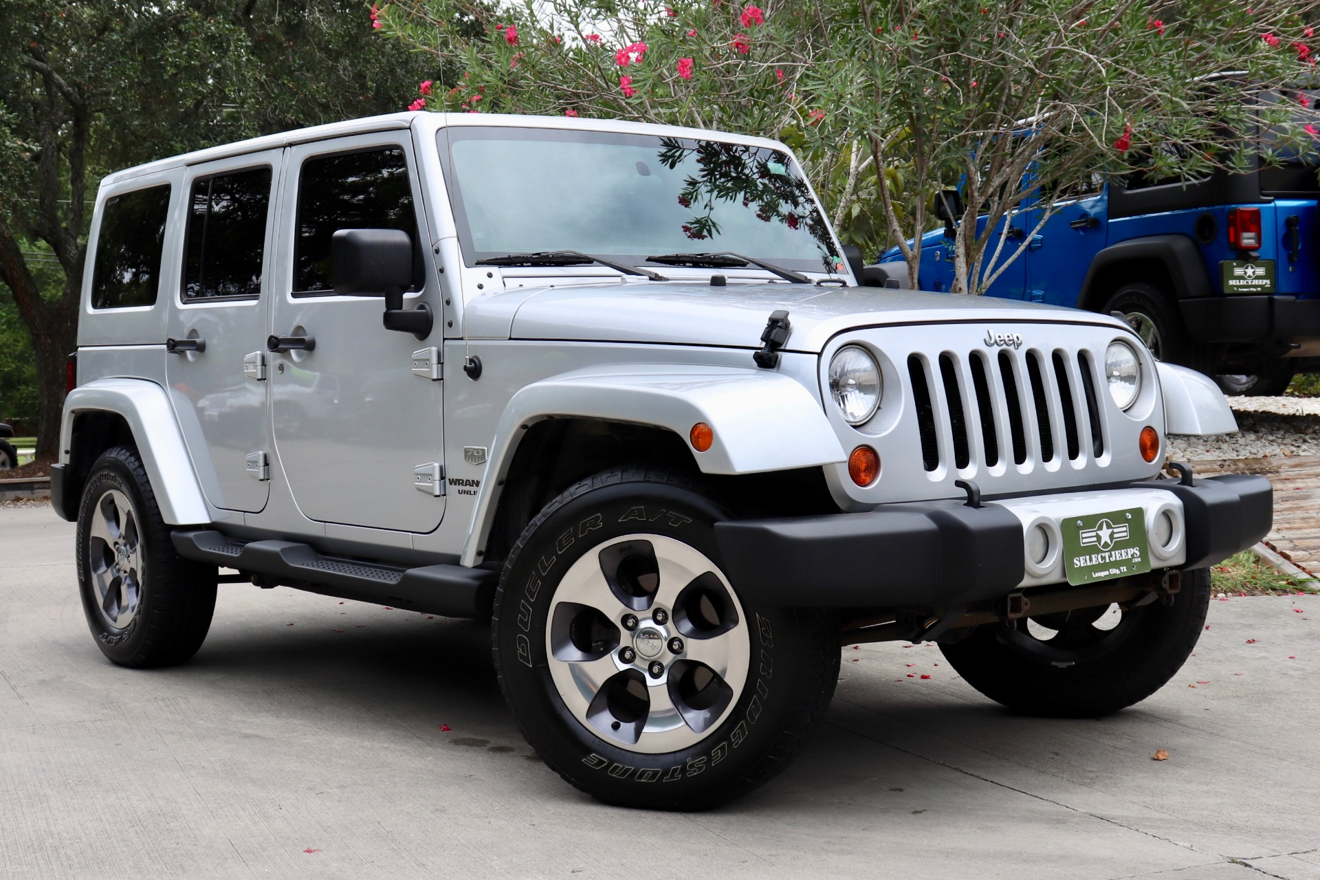 Used-2011-Jeep-Wrangler-Unlimited-4WD-4dr-70th-Anniversary-*Ltd-Avail*