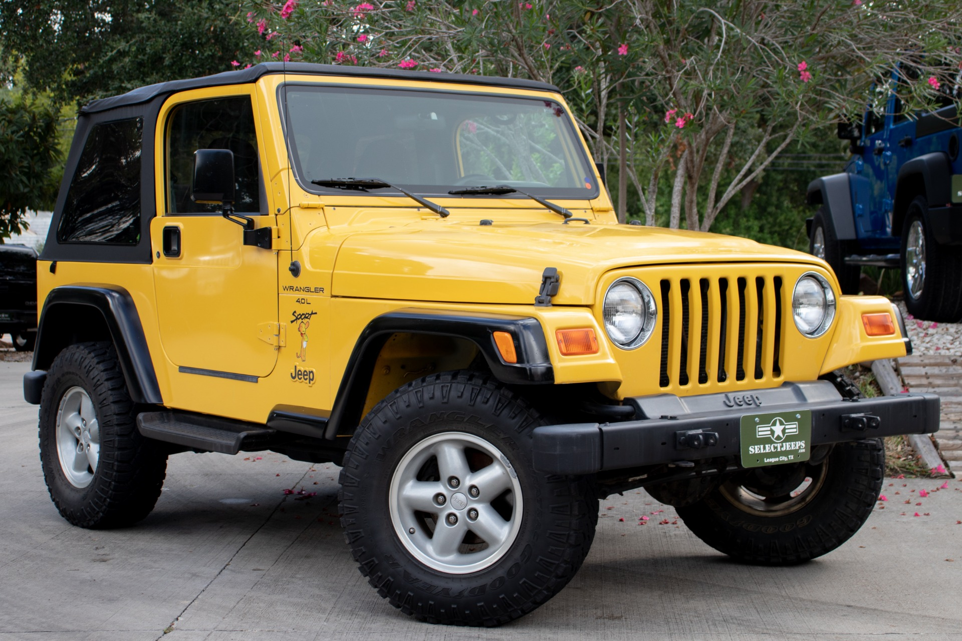 Used-2000-Jeep-Wrangler-2dr-Sport