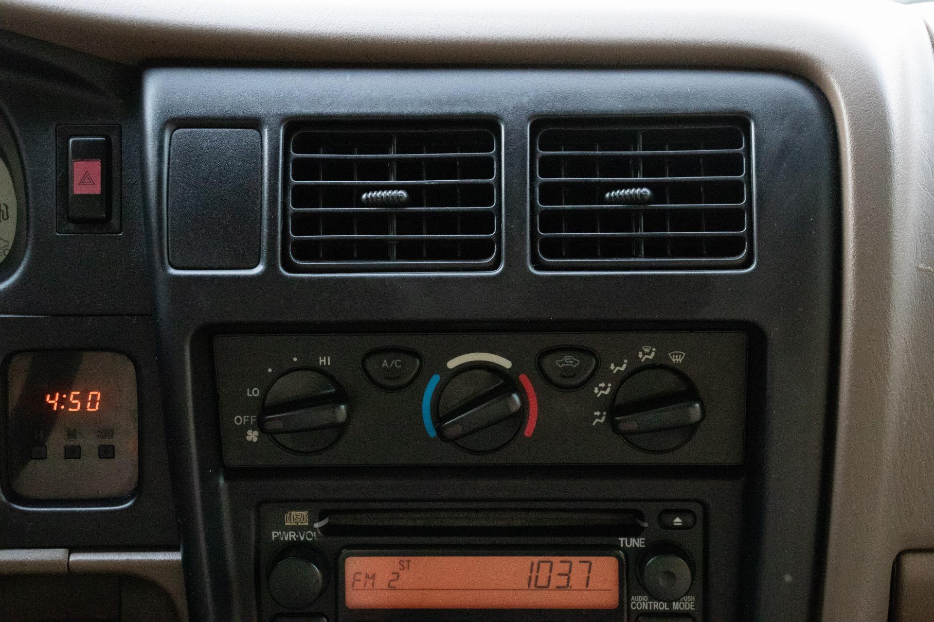 Used-2004-Toyota-Tacoma-PreRunner-V6