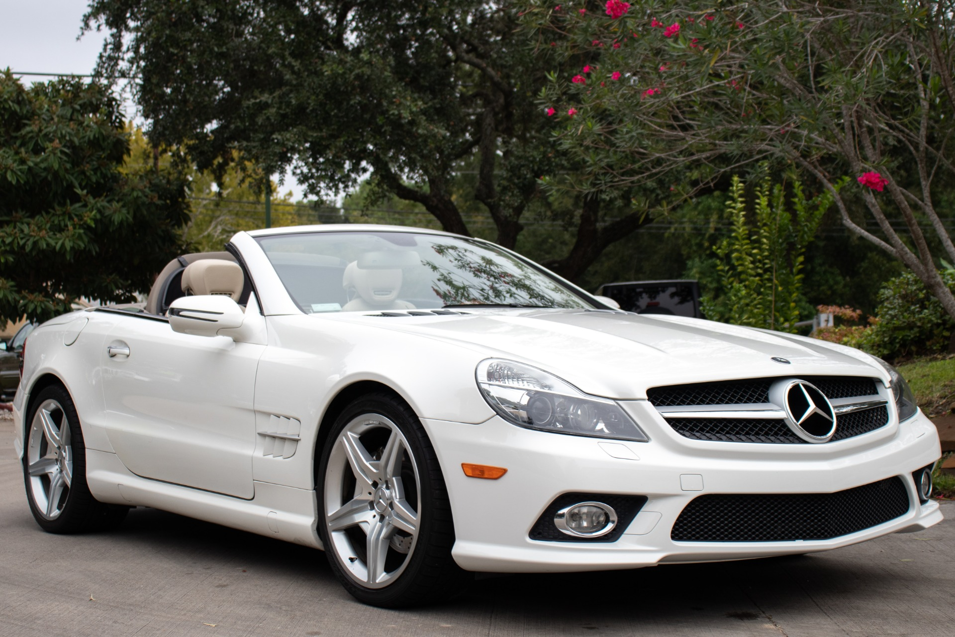 Used-2009-Mercedes-Benz-SL-Class-SL-550