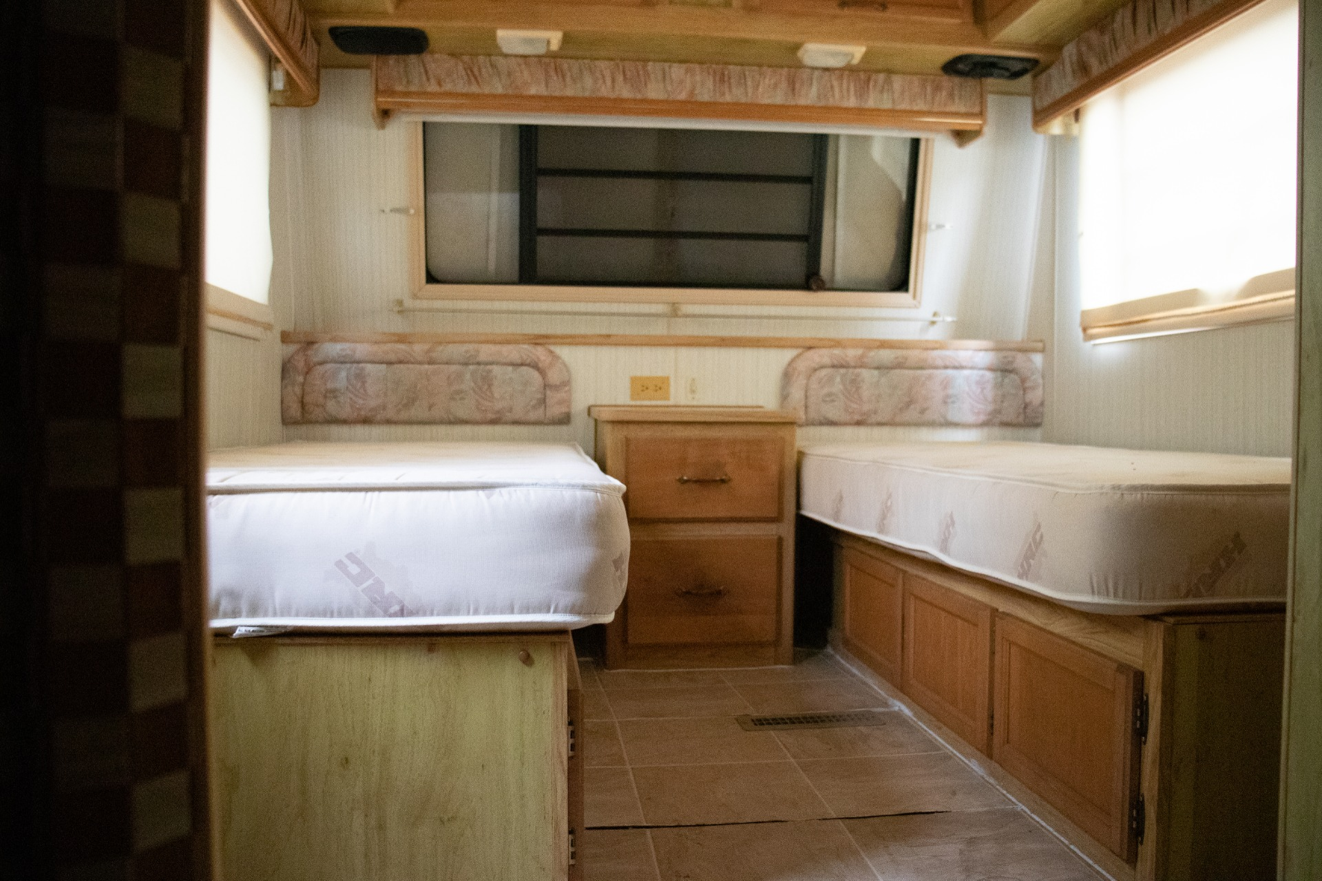 Used-1990-Holiday-Rambler-Aluma-Lite