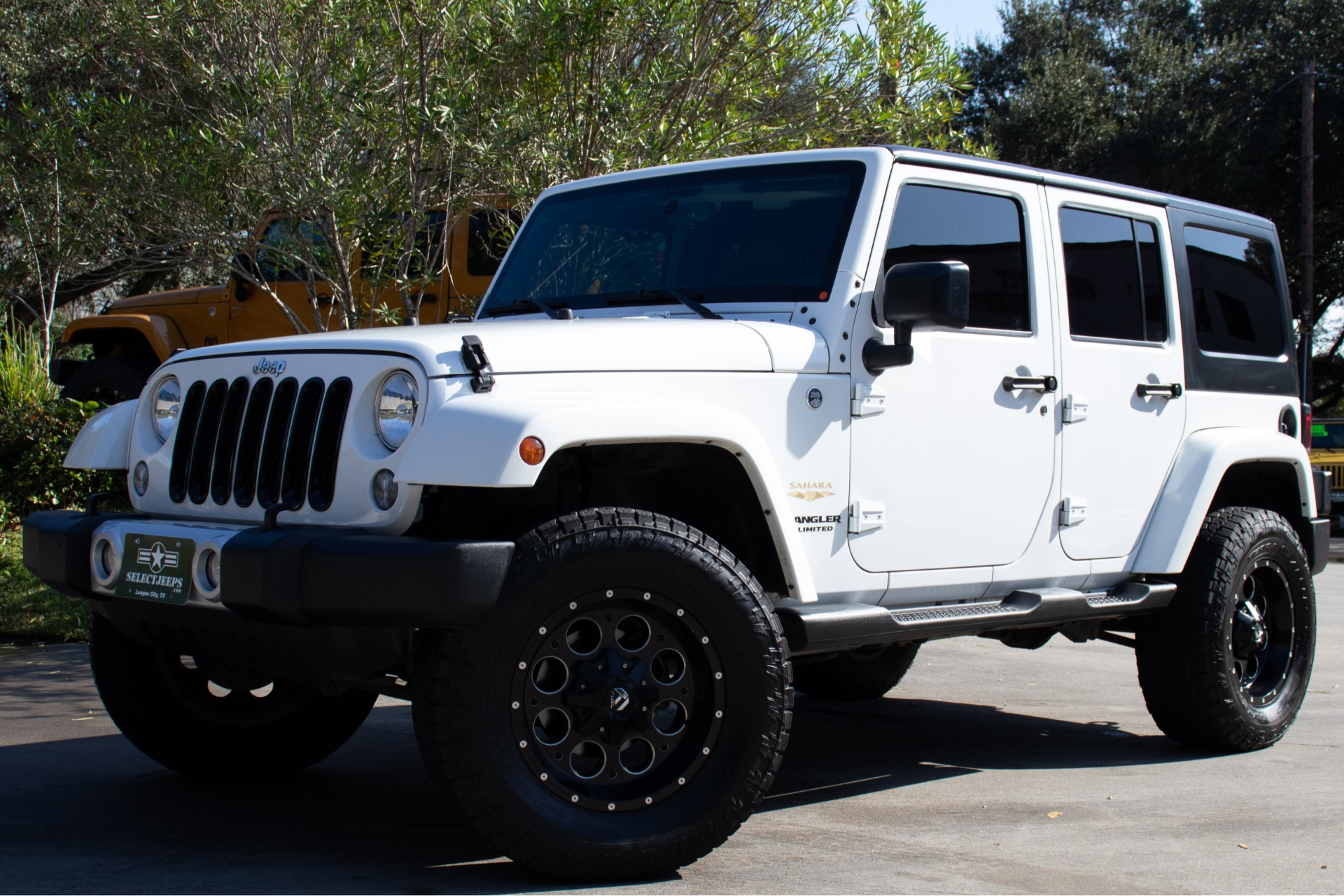 Used-2015-Jeep-Wrangler-Unlimited-Sahara