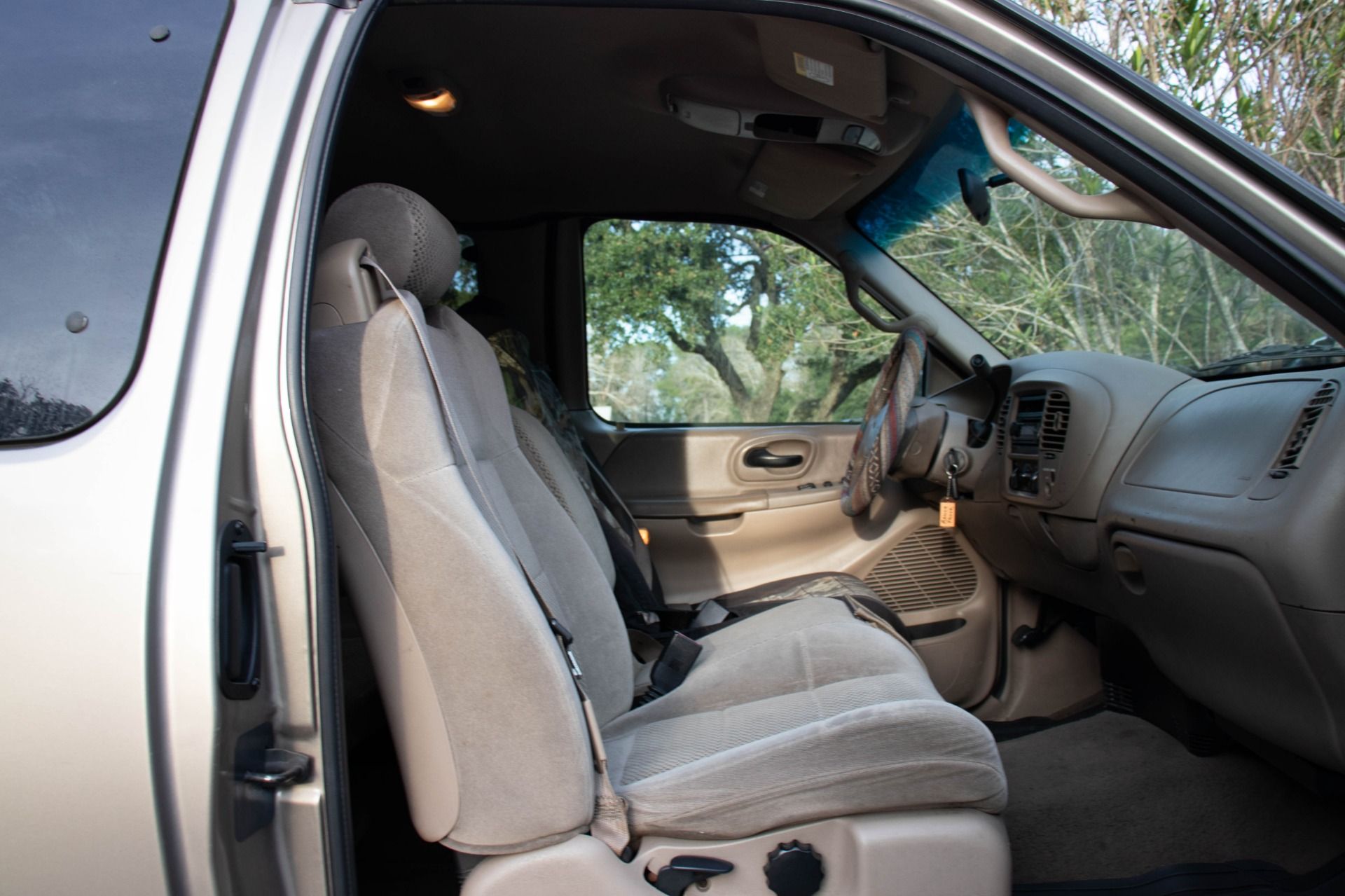 Used-2002-Ford-F-150-XLT