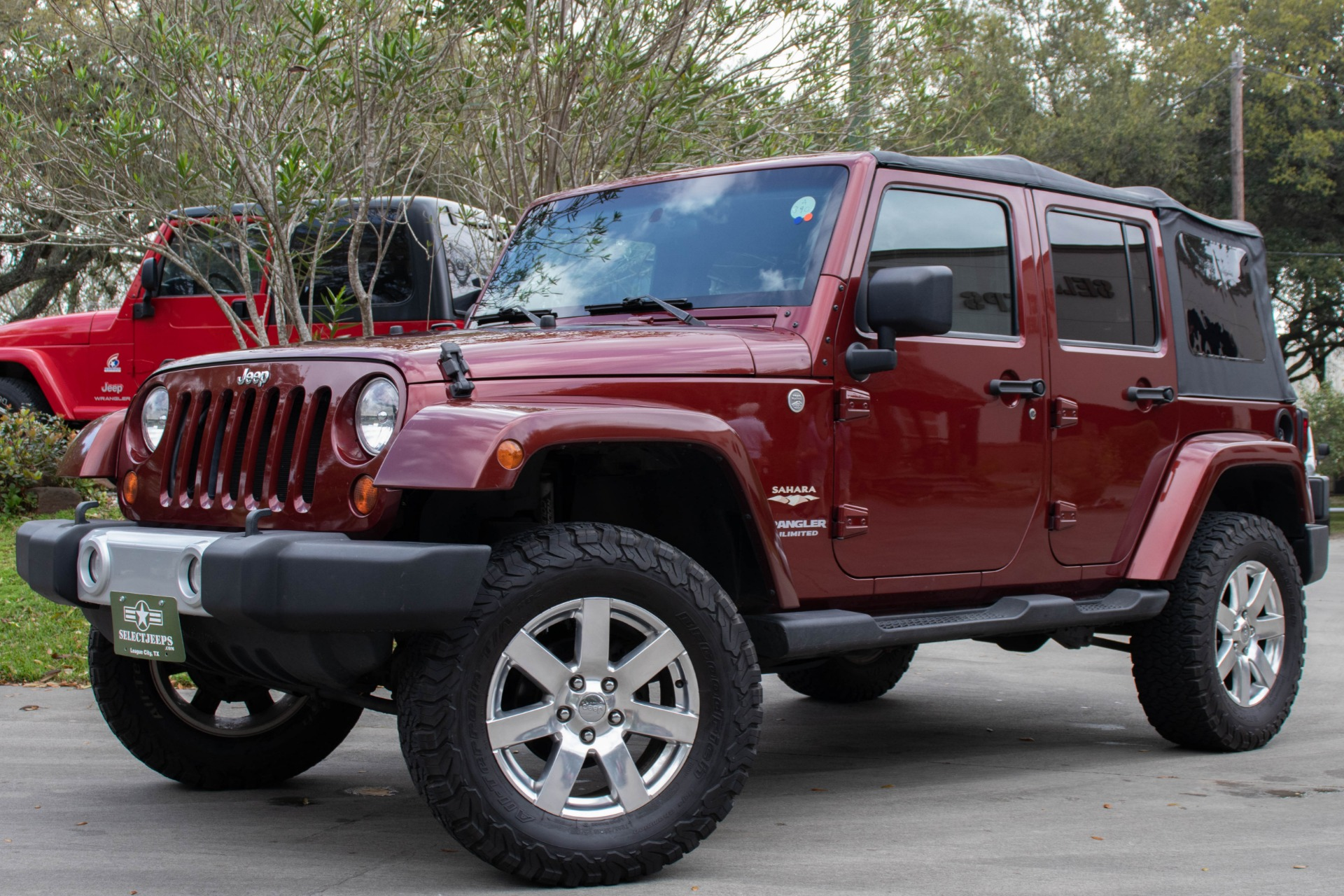 Used-2010-Jeep-Wrangler-Unlimited-Sahara