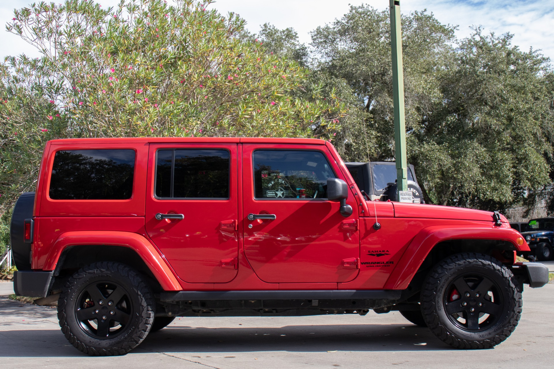 Used-2011-Jeep-Wrangler-Unlimited-Sahara