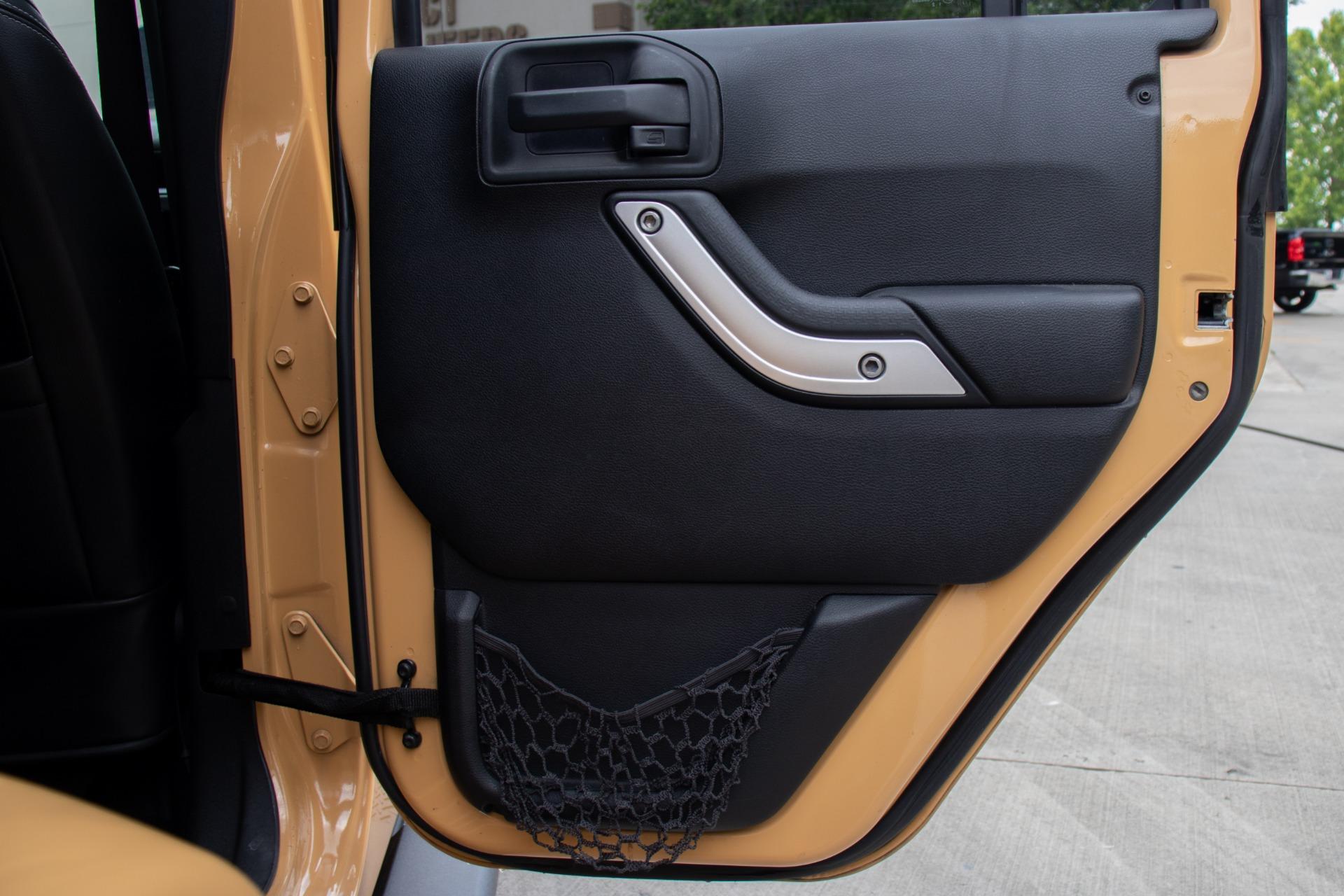 Used-2013-Jeep-Wrangler-Unlimited-Sahara