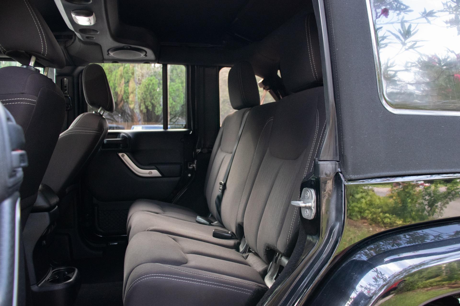 Used-2014-Jeep-Wrangler-Unlimited-Sahara