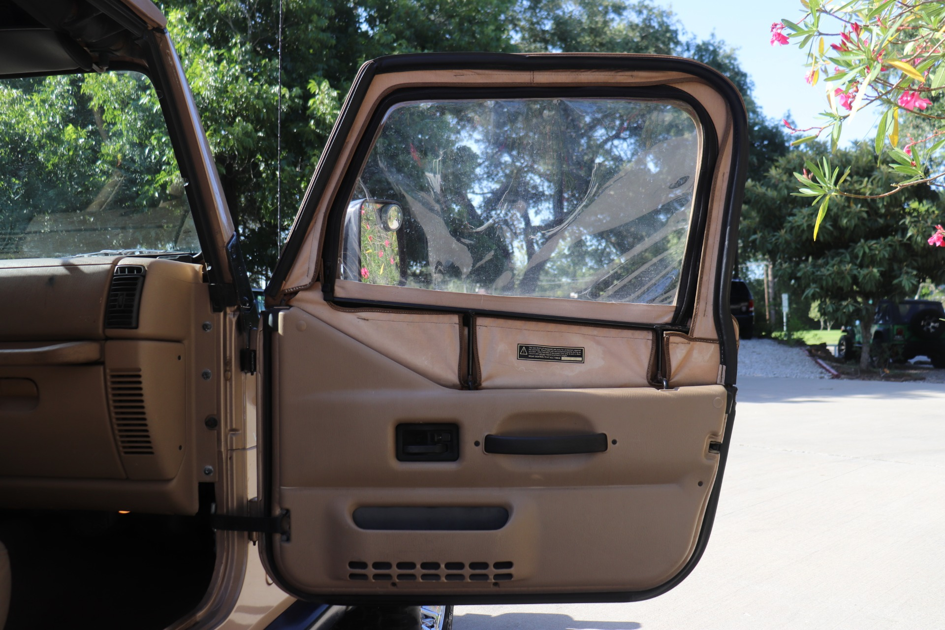 Used-1999-Jeep-Wrangler-SE