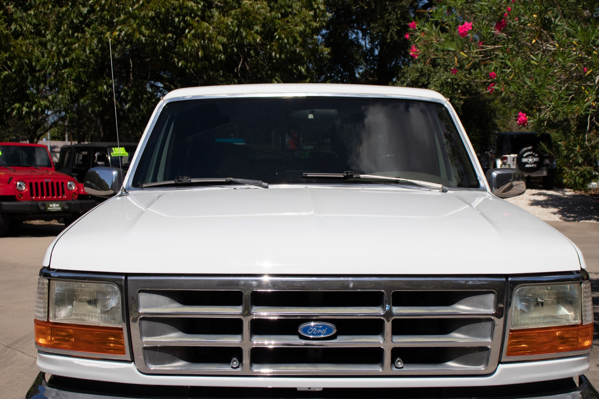 Used-1992-Ford-Bronco-XLT