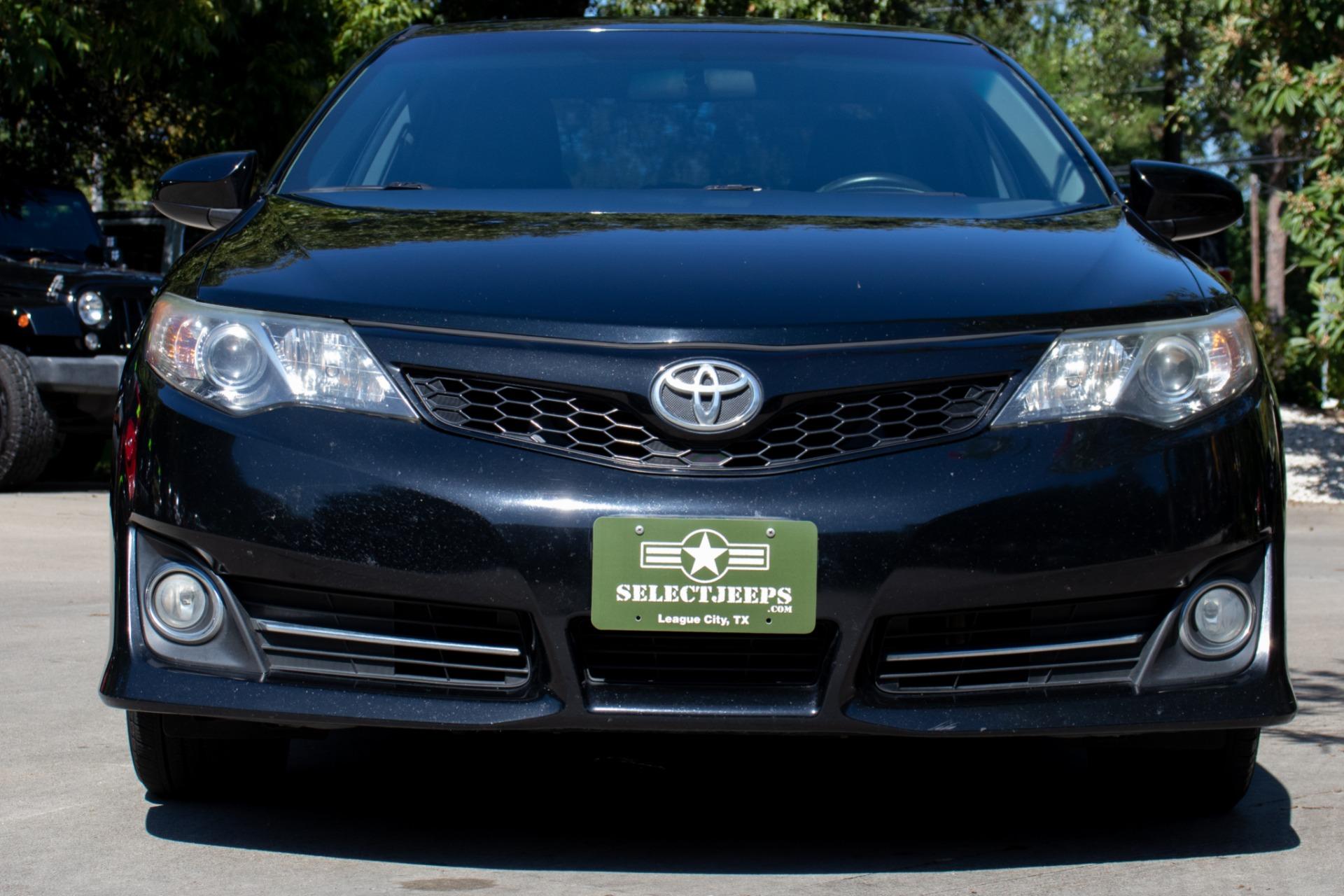 Used-2014-Toyota-Camry-SE