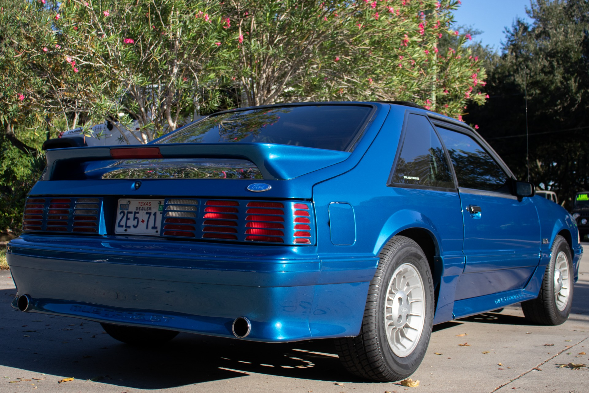 Used-1990-Ford-Mustang-GT