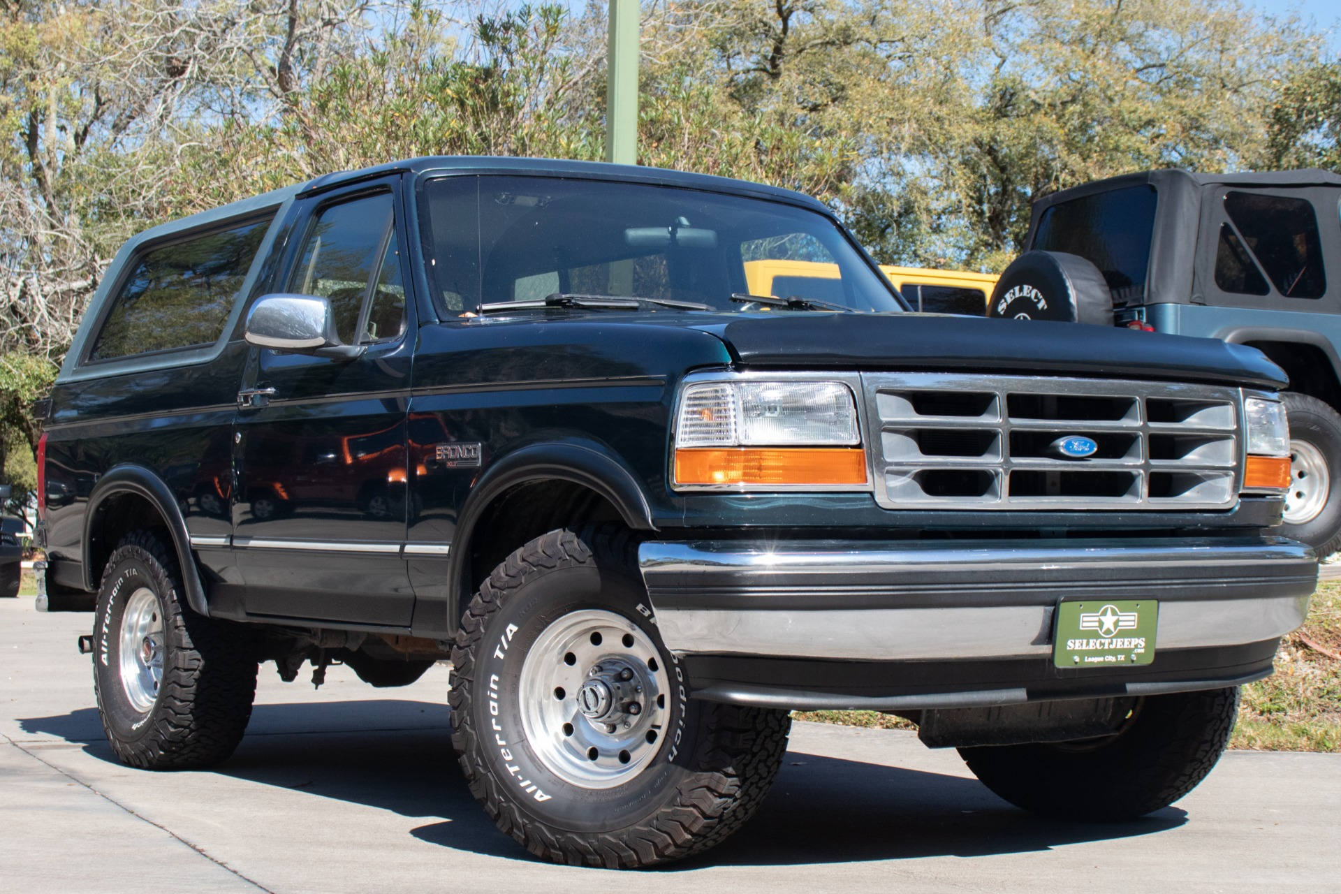 Used-1994-Ford-Bronco-XLT