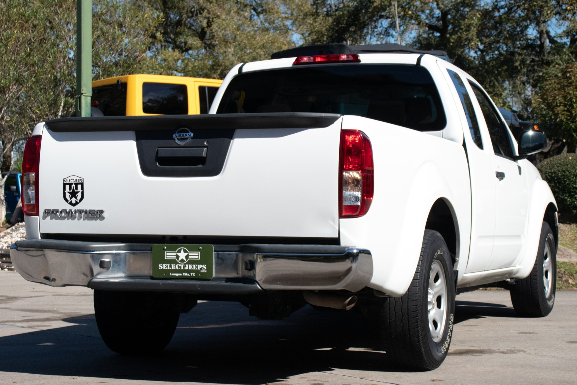 Used-2016-Nissan-Frontier-S