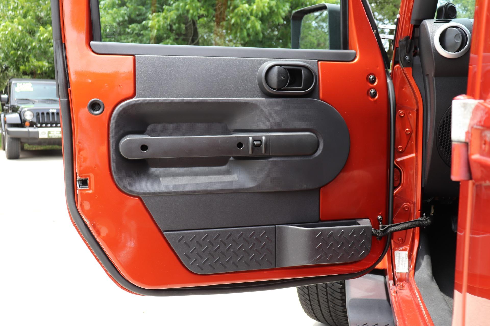 Used-2009-Jeep-Wrangler-Unlimited-Sahara
