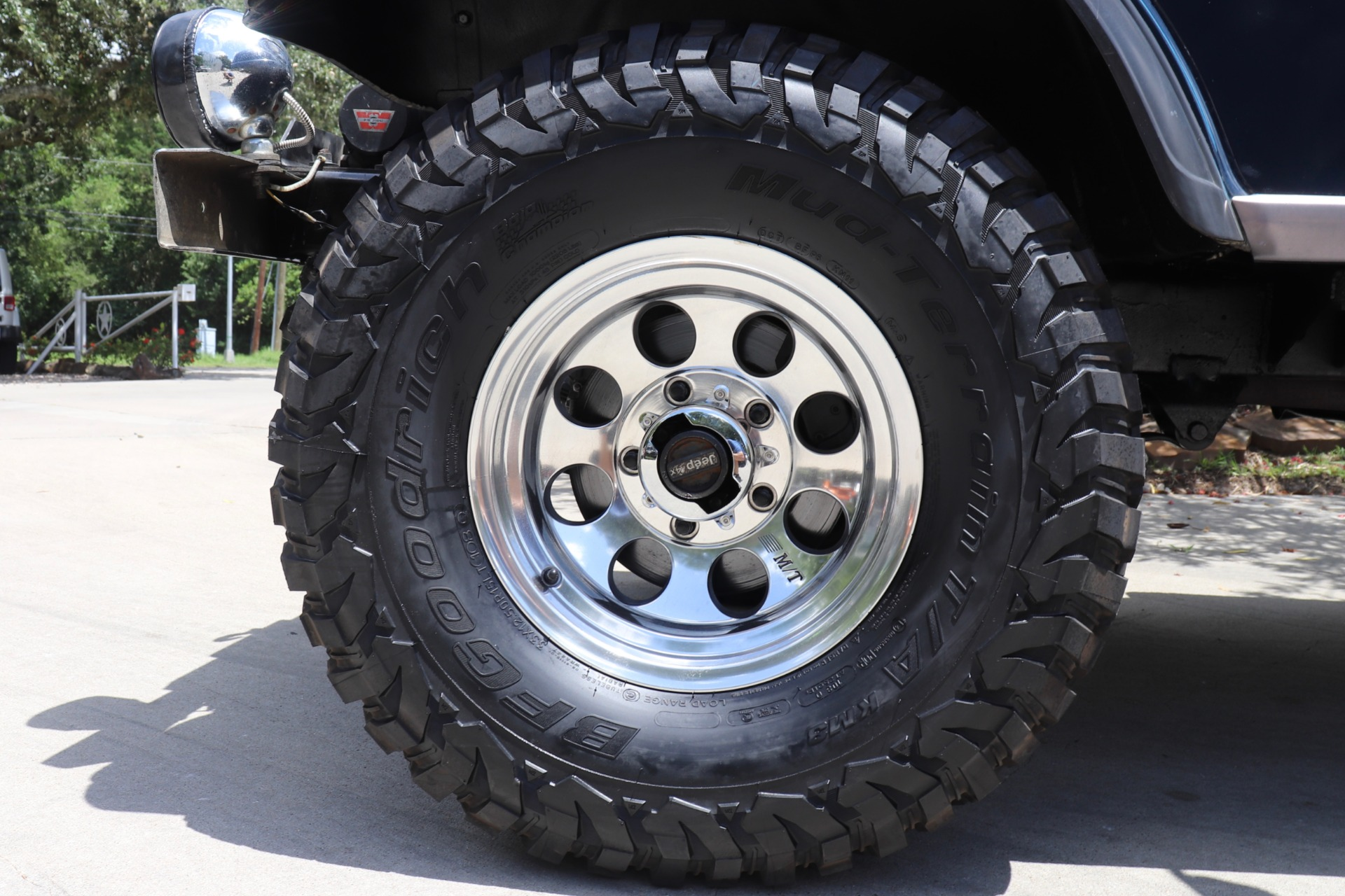 Used-1982-Jeep-CJ-5-Laredo