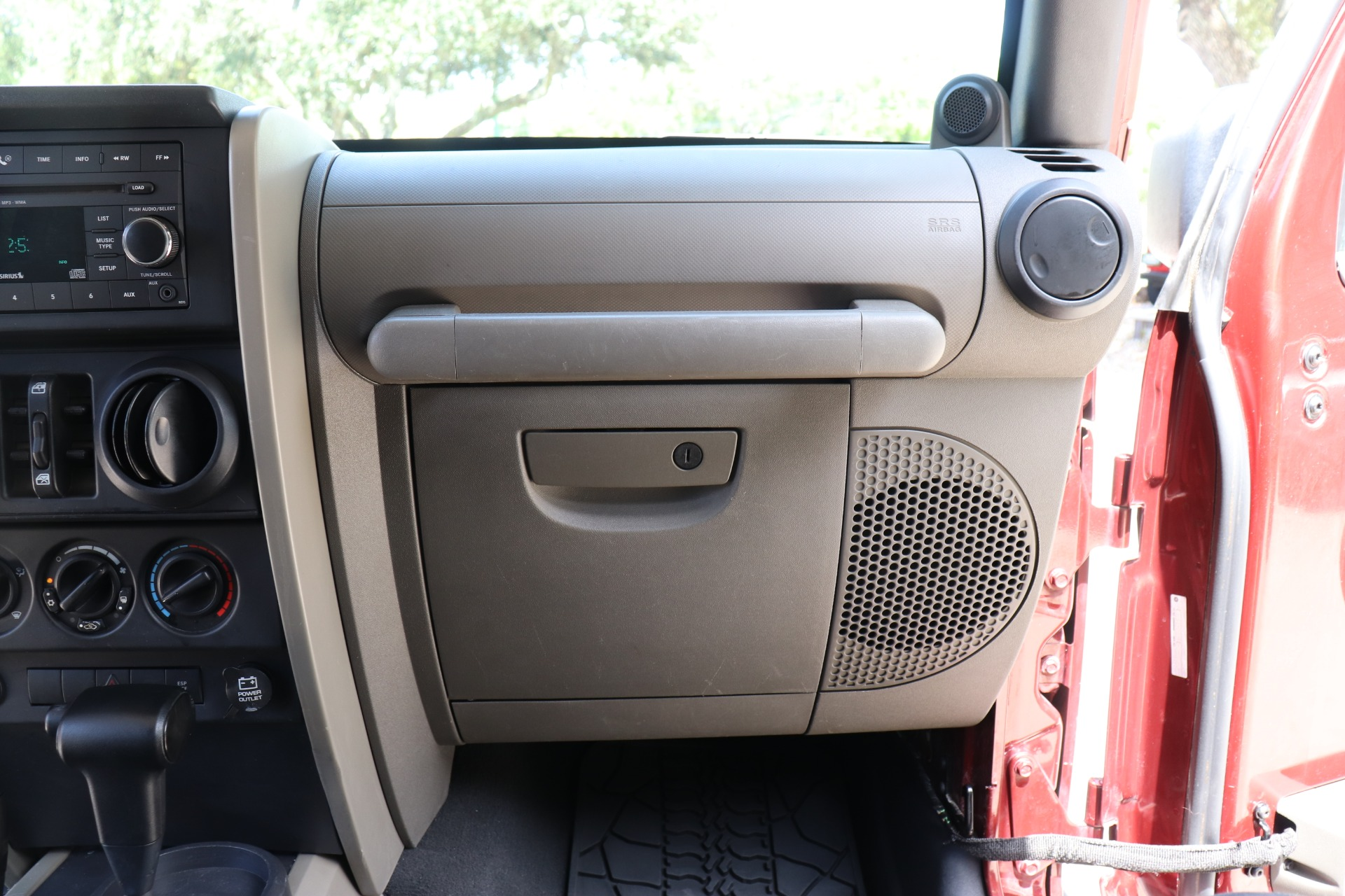 Used-2007-Jeep-Wrangler-Unlimited-Sahara