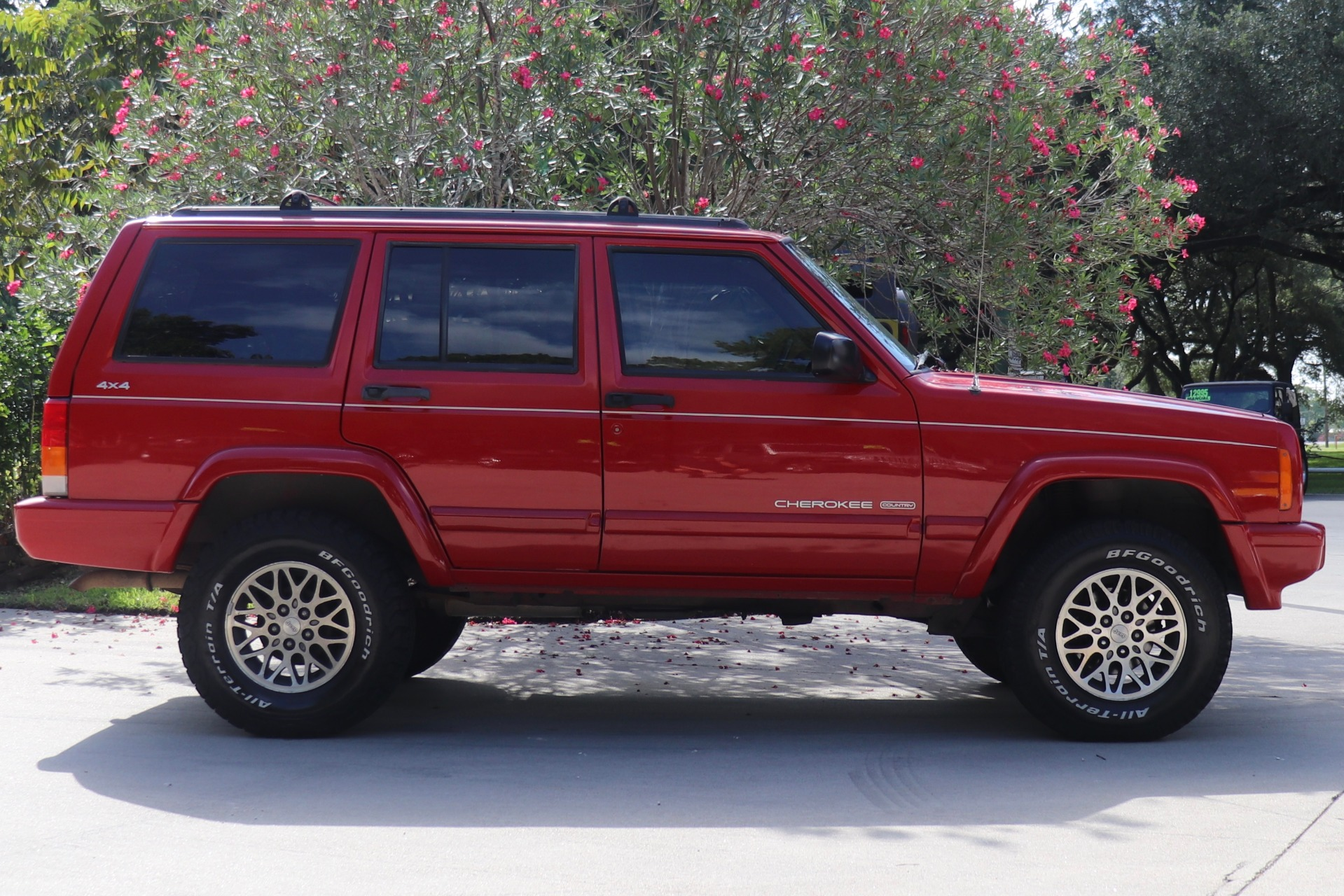 Used-1997-Jeep-Cherokee-Country