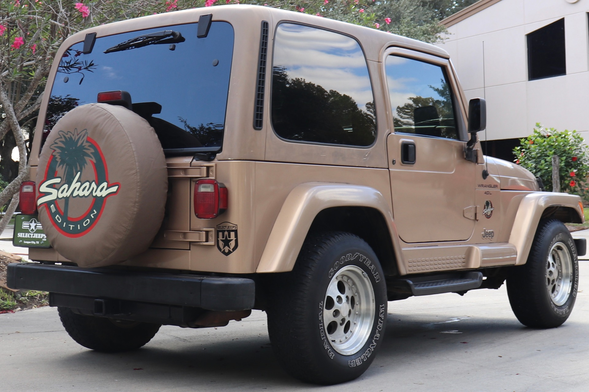 Used-1999-Jeep-Wrangler-Sahara