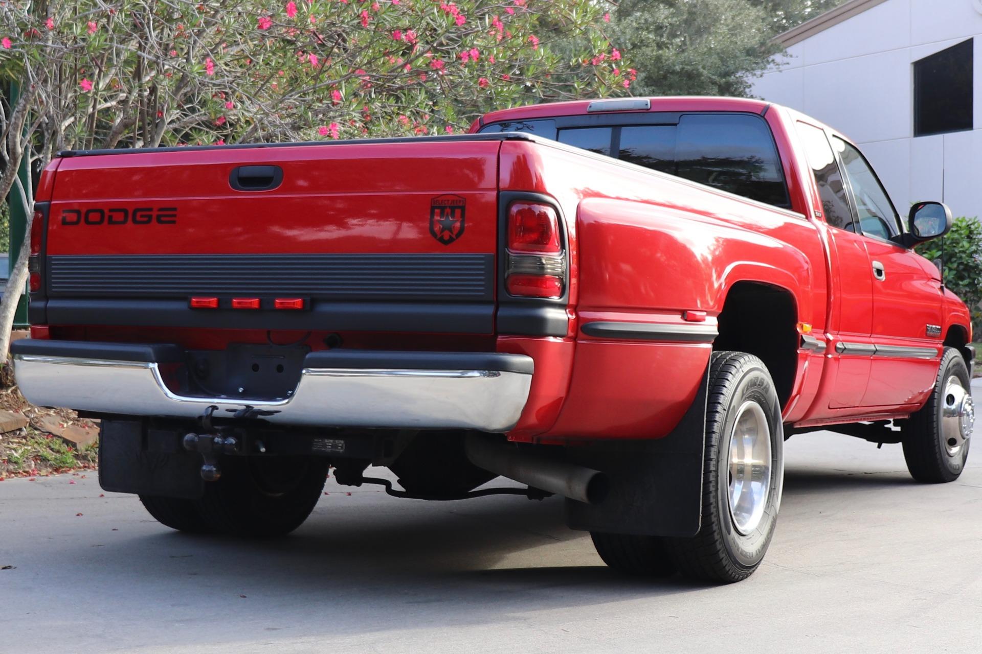Used-1999-Dodge-Ram-Pickup-3500-SLT