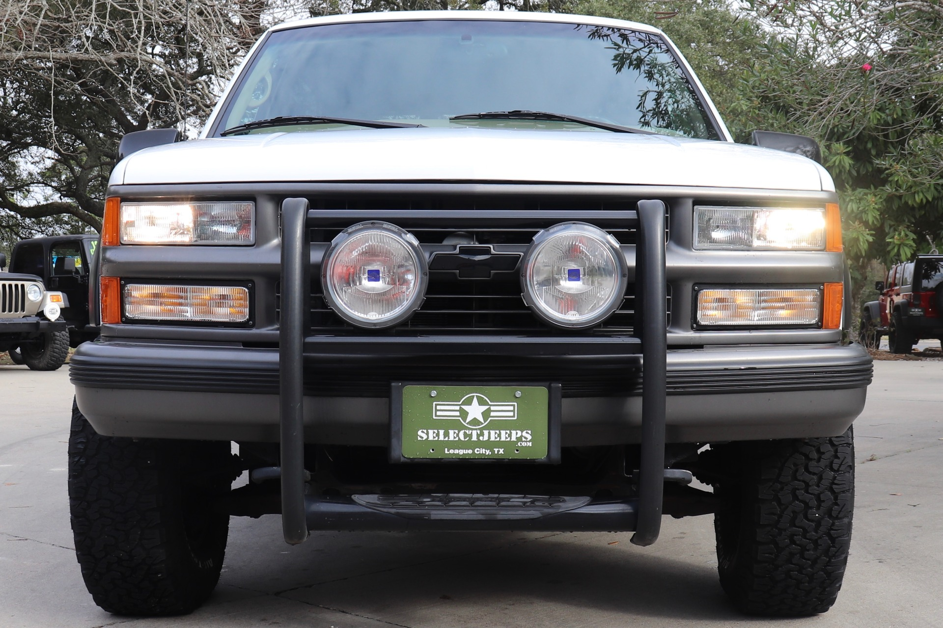 Used-1999-Chevrolet-Tahoe-LT