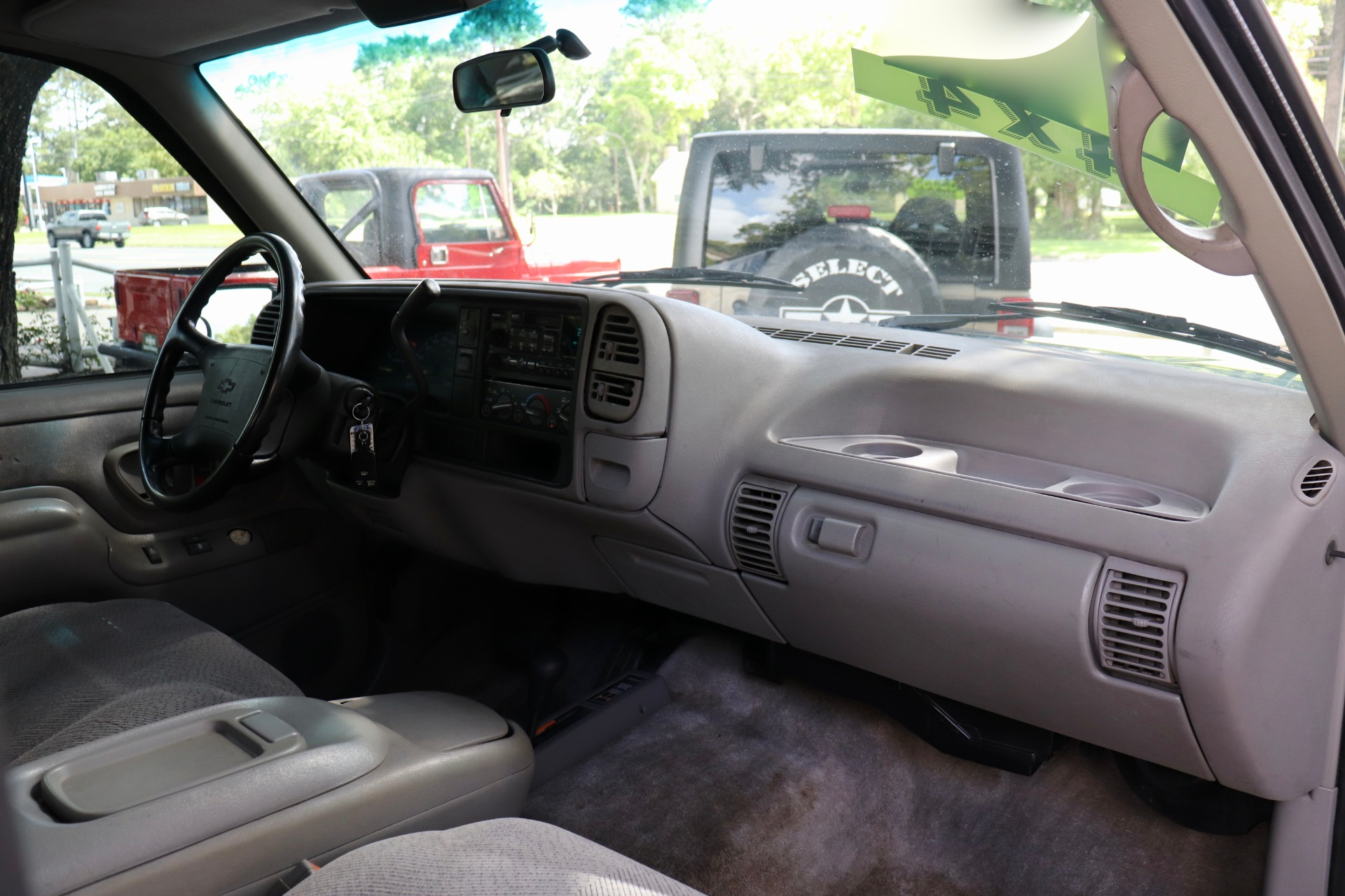 Used-1995-Chevrolet-Tahoe-LS
