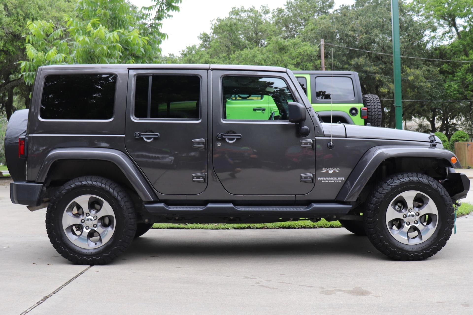 Used-2017-Jeep-Wrangler-Unlimited-Sahara