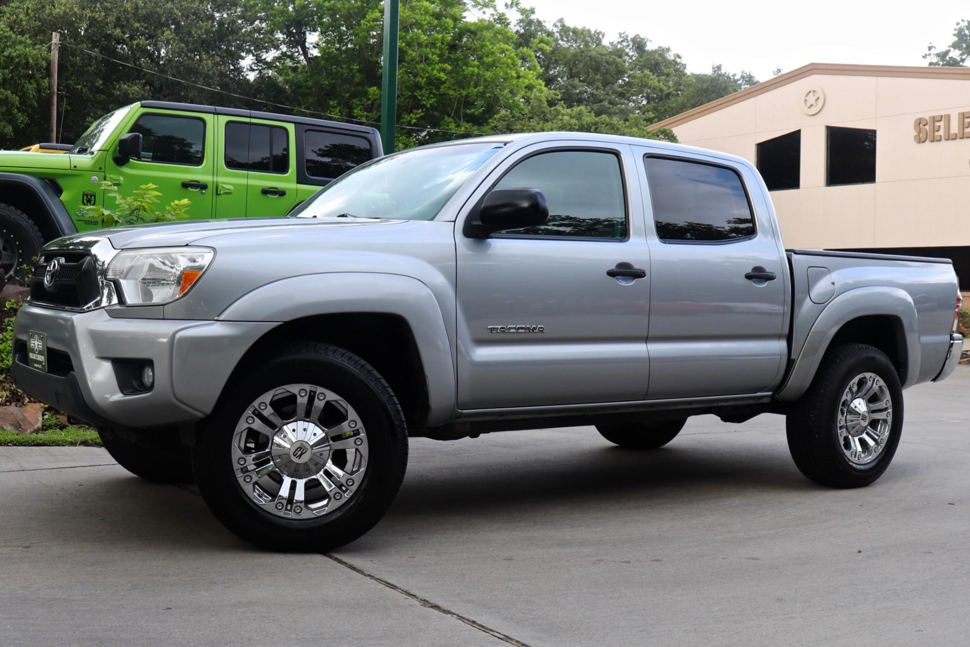 Used-2014-Toyota-Tacoma-PreRunner-V6
