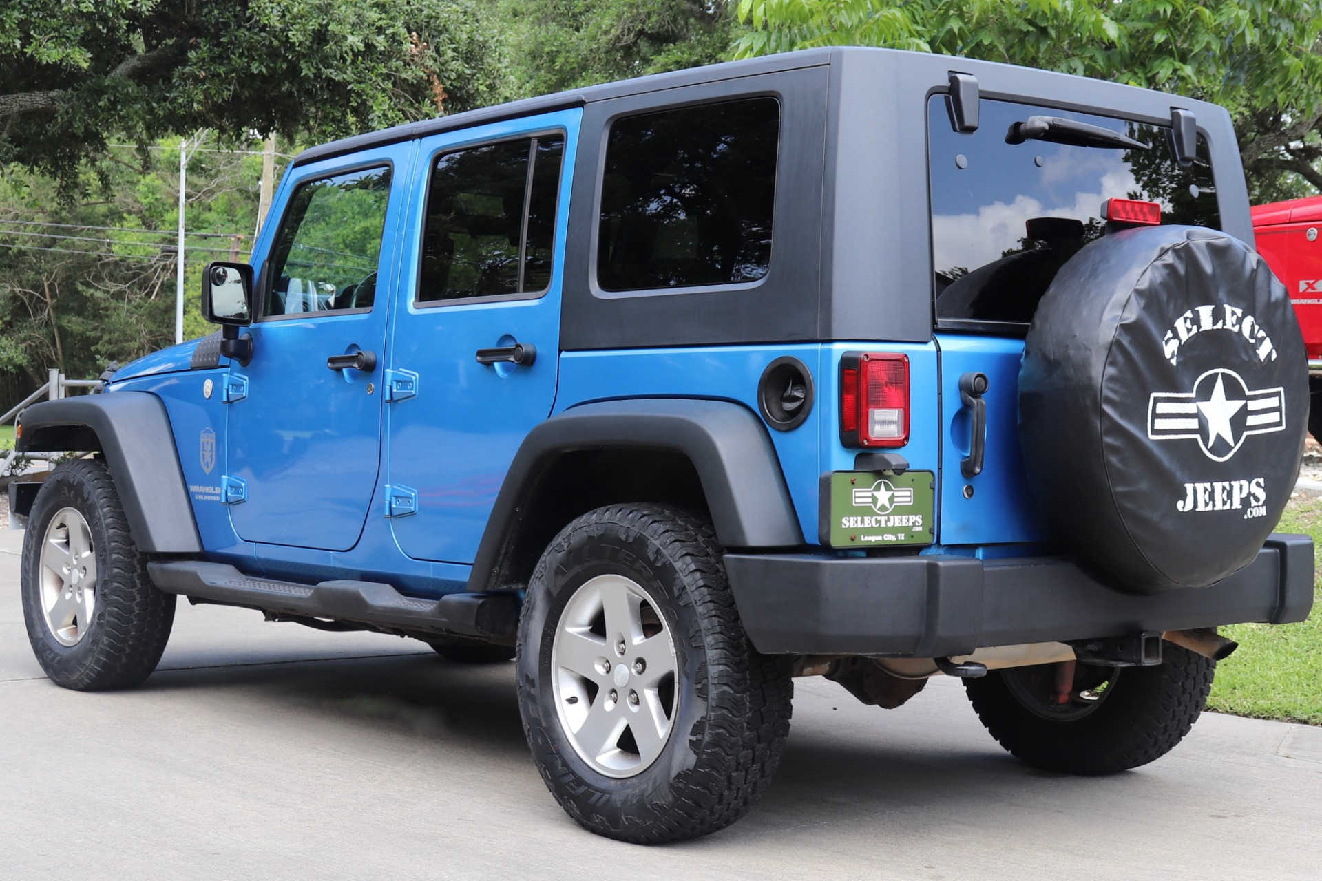 Used-2010-Jeep-Wrangler-Unlimited-Sport