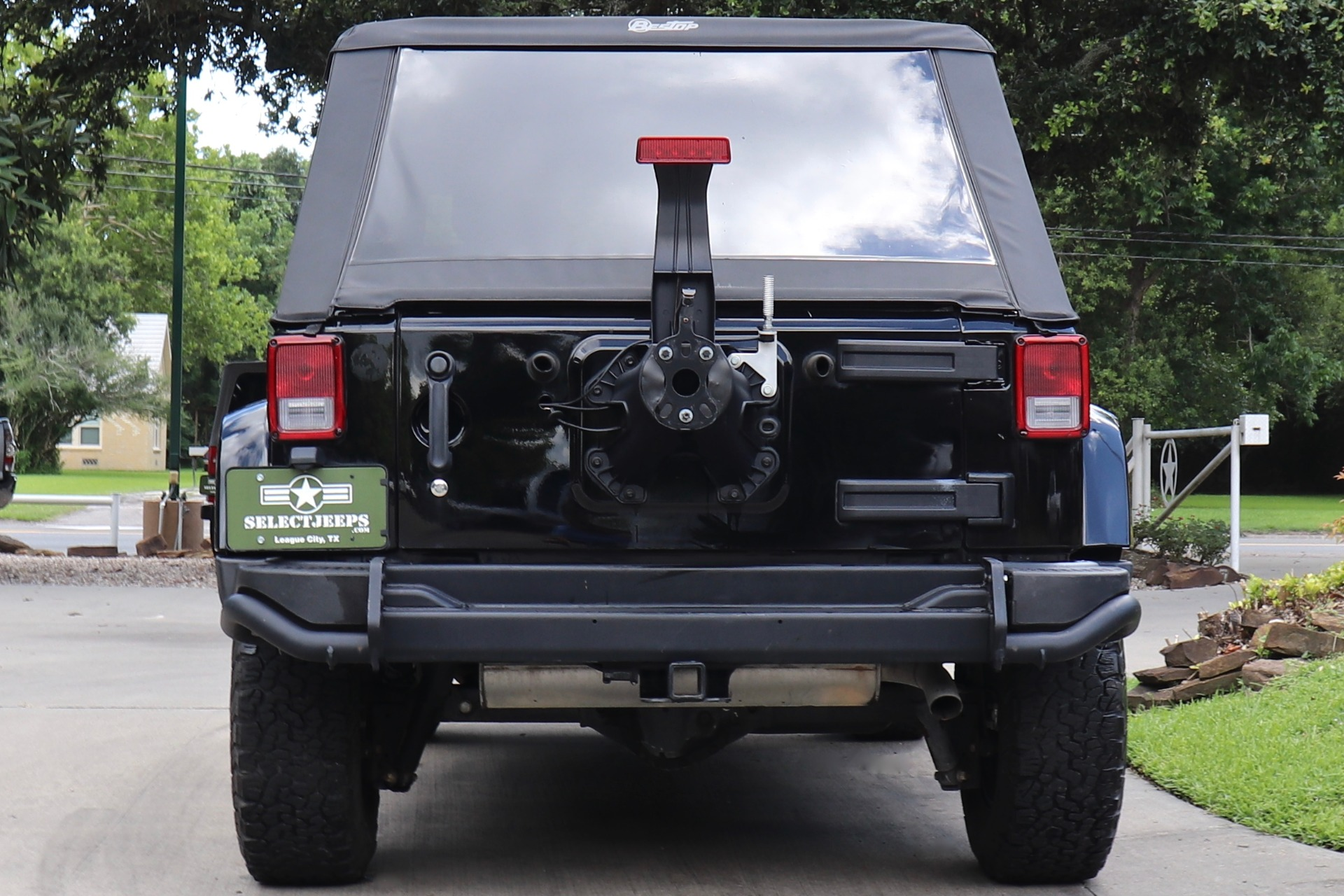 Used-2016-Jeep-Wrangler-Unlimited-Backcountry