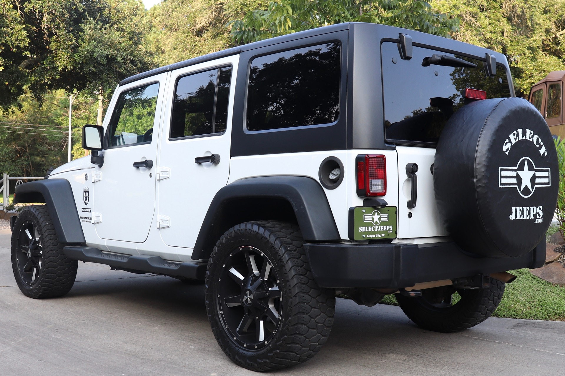 Used-2015-Jeep-Wrangler-Unlimited-Sport