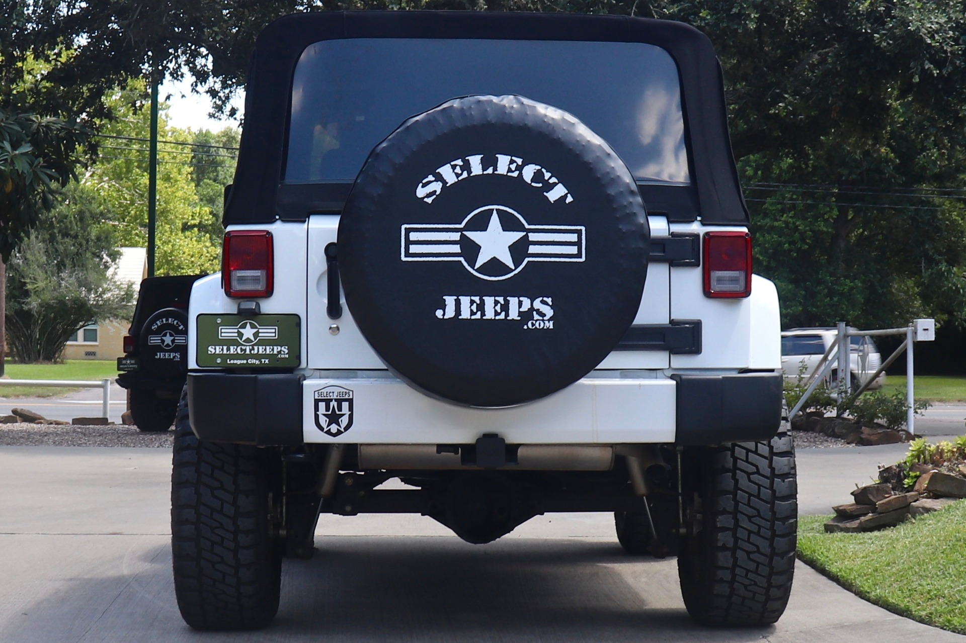Used-2016-Jeep-Wrangler-Sahara